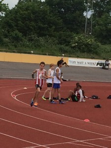 Jack with broken arm 800m Reading 31st May 2014
