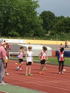 Oliver hurdles Reading 31st May 2014