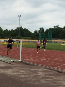 Sam finishing hurdles Reading 31st May 2014